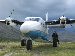 Twin Otter with Intermediate Floatation Gear (Large Tires)